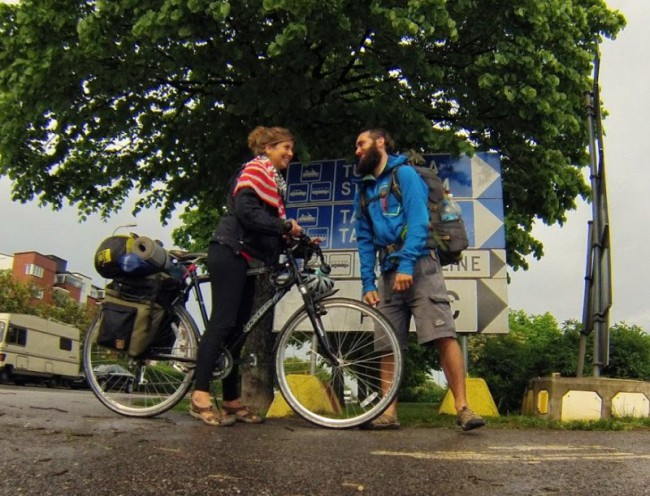 Alice et son vélo au moment de quitter Balou à Helsinki