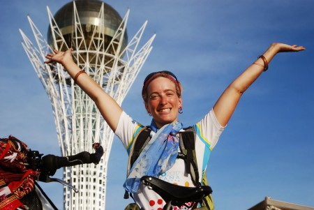 Anick-Marie à l'arrivée du SunTrip à Astana