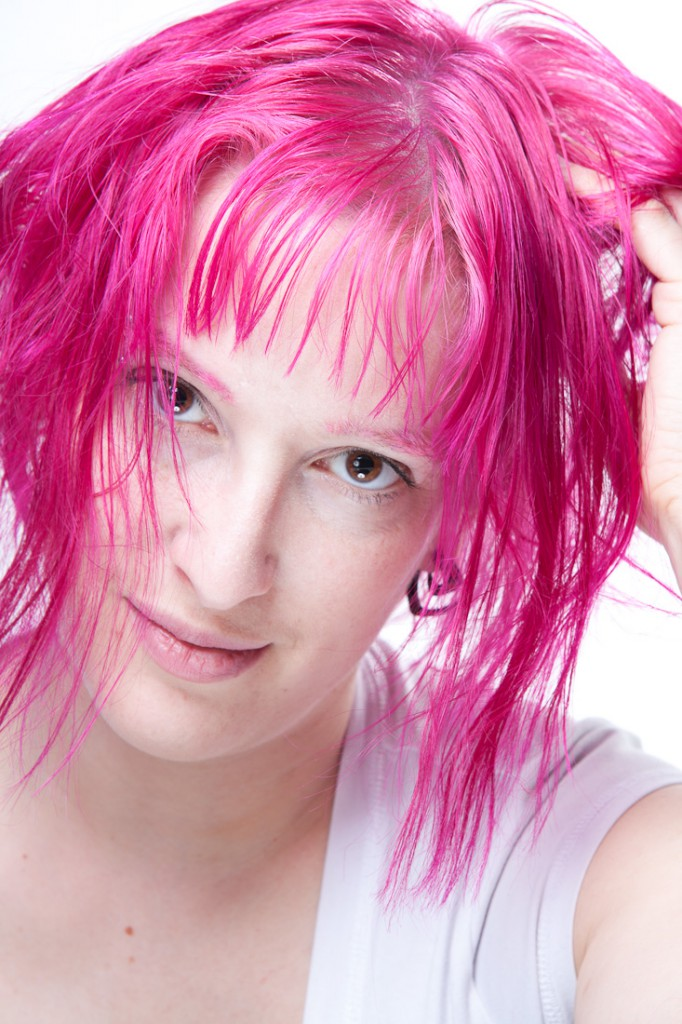 Anick-Marie globestoppeuse cheveux roses