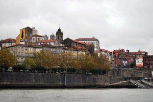 Porto en auto-stop, un routier et un guide privé