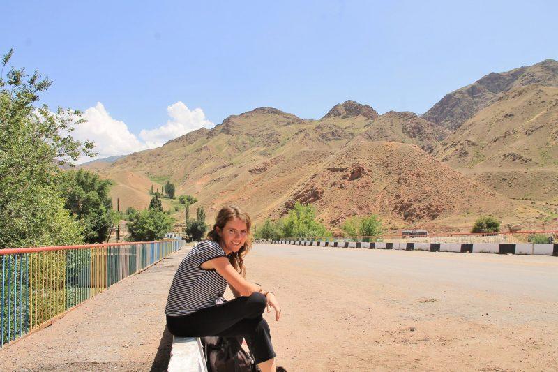 Solenne en auto-stop au Kirghizstan, juillet 2016