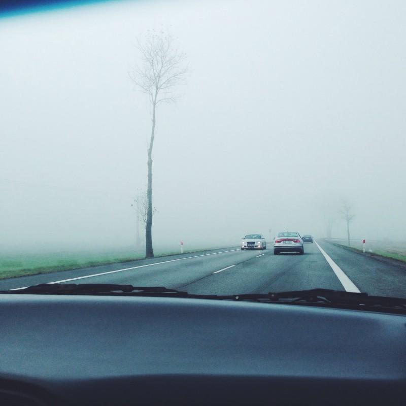 voiture brouillard
